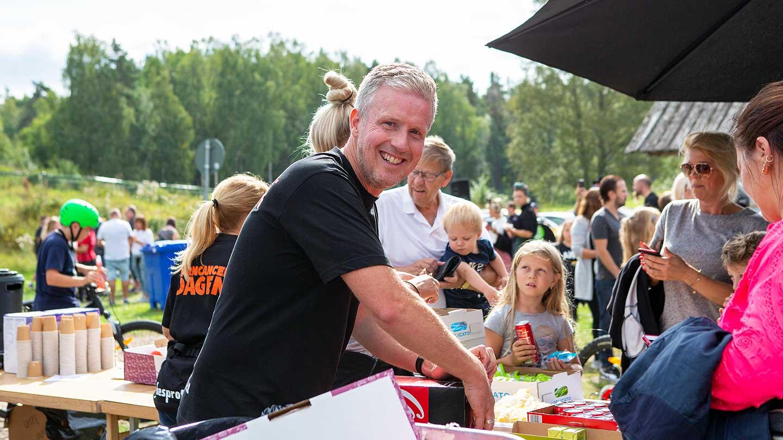 Johan Lindberg, en av personerna bakom Barncancerdagen i Hallstahammar.