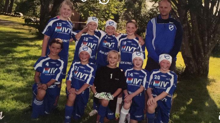 Fotbollslaget de spelade i som barn.